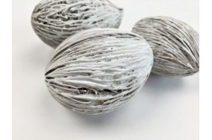 Dried mintolla ball white